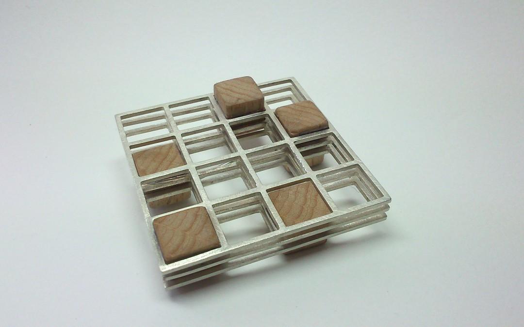 Silber-Holz Brosche